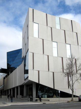 Hawke_Building,_UniSA